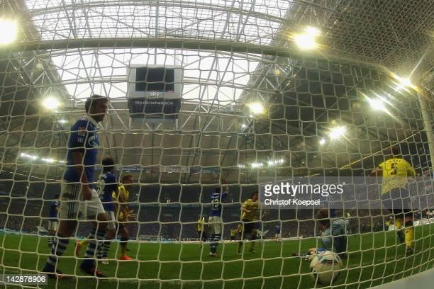 Raul Gonzalez of Schalke looks dejected after getting the second goal of Sebastian Kehl of Dortmund during the Bundesliga match between FC Schalke 04...
