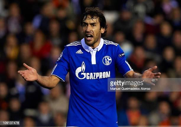 Raul Gonzalez of Schalke reacts during the UEFA Champions League Round of 16, 1st leg match between Valencia and Schalke at Estadio Mestalla on...