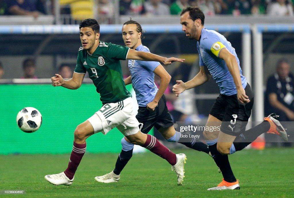 Mexico v Uruguay - International Friendly : Fotografía de noticias