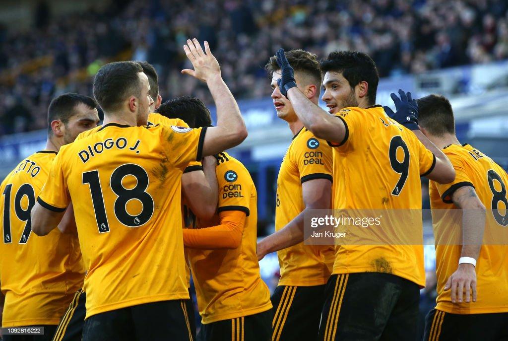 Everton FC v Wolverhampton Wanderers - Premier League : News Photo