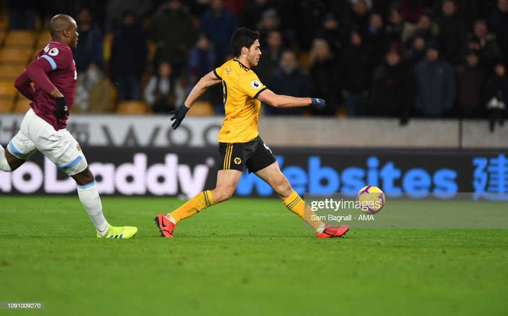 Wolverhampton Wanderers v West Ham United - Premier League : News Photo