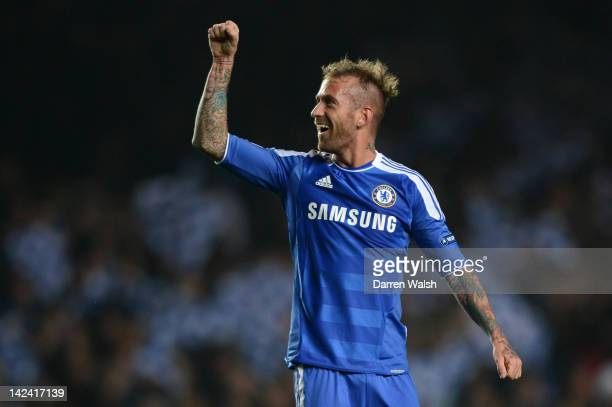 Raul Meireles of Chelsea celebrates scoring their second goal during the UEFA Champions League Quarter Final second leg match between Chelsea FC and...