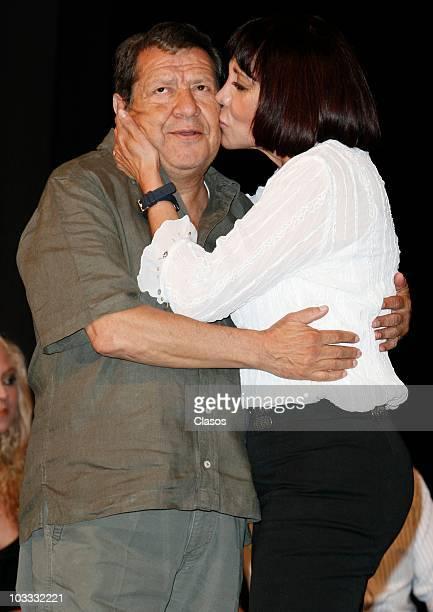 Raul Padilla Choforo and Maribel Fernandez la Pelangocha during a press conference of the play 'Un Romeo Muy Julieta' at Diego Rivera Theater on...