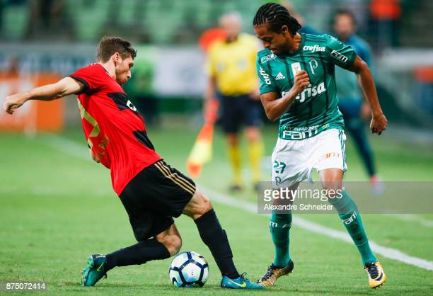 Raul Prata of Sport Recife and Keno of Palmeiras in action during the match between Palmeiras and Sport Recife for the Brasileirao Series A 2017 at...