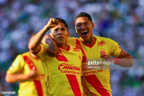 Raul Ruidiaz of Morelia celebrates with teamamtes after scoring the first goal of his team during the 14th round match between Leon and Morelia as...