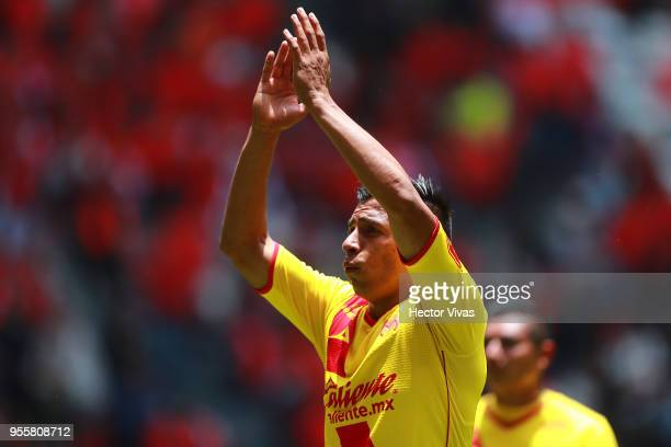 Raul Ruidiaz of Morelia greets the fans during the quarter finals second leg match between Toluca and Morelia as part of the Torneo Clausura 2018...