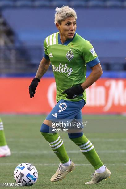 Raul Ruidiaz of Seattle Sounders dribbles with the ball in the first half against the San Jose Earthquakes at CenturyLink Field on November 08, 2020...