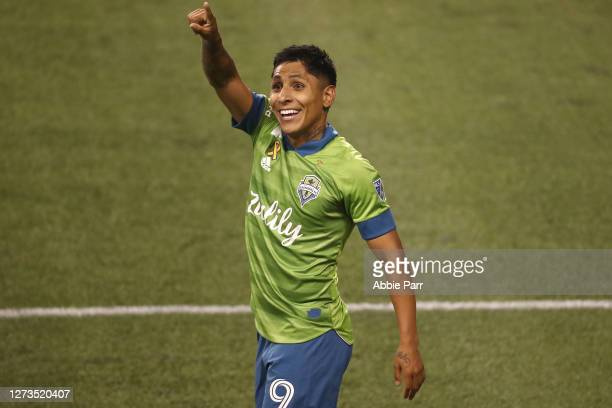 Raul Ruidiaz of Seattle Sounders points to his family after scoring a goal in the 82nd minute to take a 3-0 lead against Los Angeles FC at...