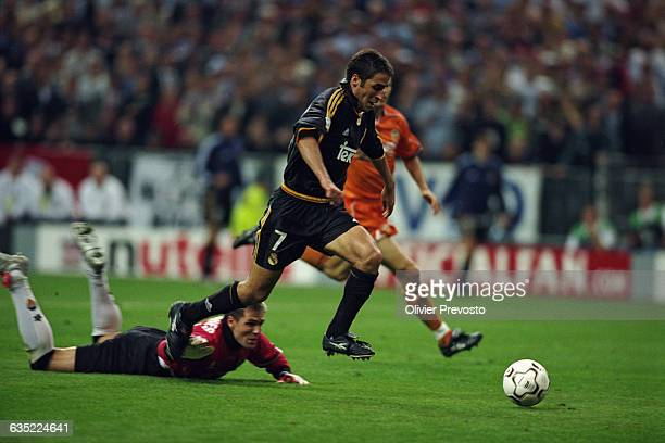 Raul scoring a goal during the 19992000 UEFA Champions League final against Valencia CF Real Madrid won 30 | Location Saint Denis France