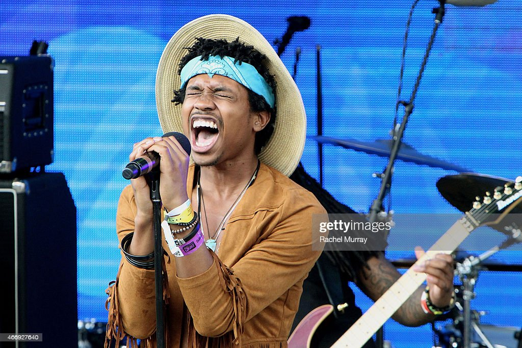 Raury performs onstage during the PANDORA Discovery Den SXSW on March 19, 2015 in Austin, Texas.