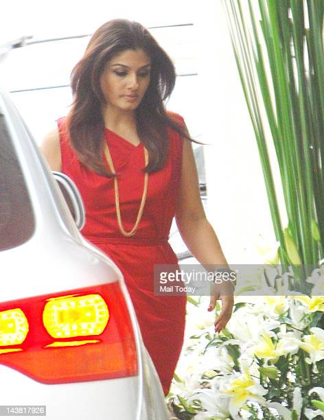 Raveena Tandon arrives for the baby shower of Shilpa Shetty in Mumbai on 3rd May 2012