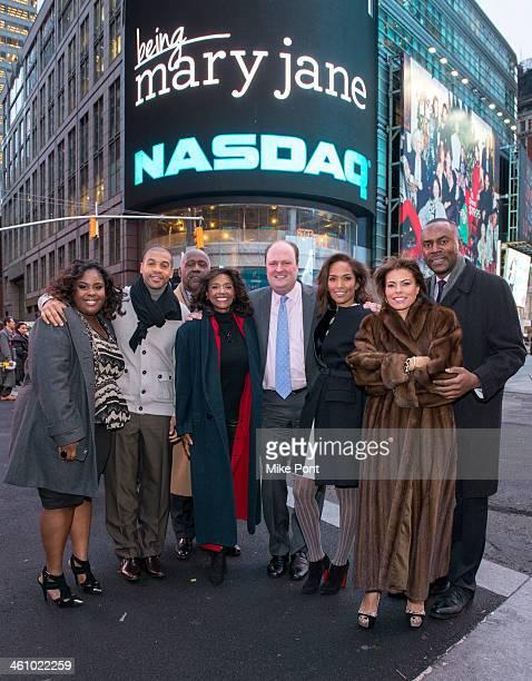 Raven Goodwin Aaron Spears Richard Roundtree Margaret Avery David Wicks Mara Brock Akil Lisa Vidal and Richard Brooks ring the closing bell at NASDAQ...