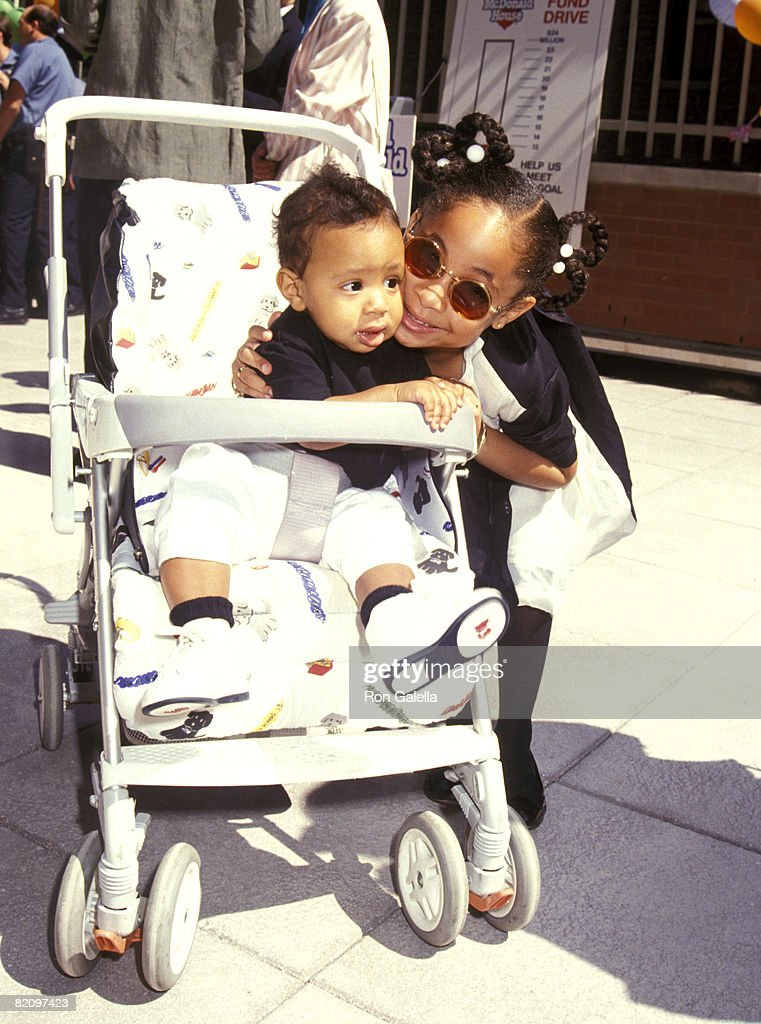 Helping Hands Event at Ronald McDonald House - July 22, 1992 : News Photo