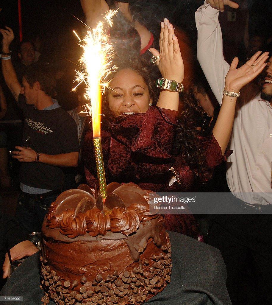 Strange Raven Symone And Her 21St Birthday Cake During Raven Symones 21St Funny Birthday Cards Online Amentibdeldamsfinfo