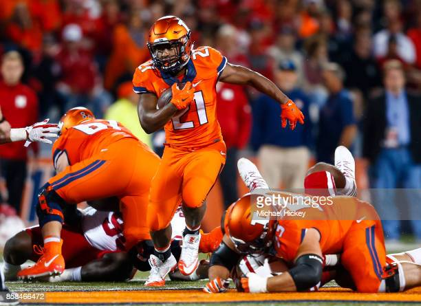 Ra'Von Bonner of the Illinois Fighting Illini runs the ball against the Nebraska Cornhuskers at Memorial Stadium on September 29 2017 in Champaign...