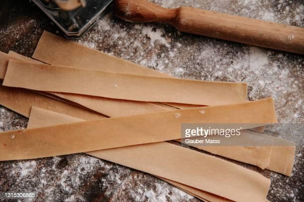 raw pappardelle pasta - palmas tocantins imagens e fotografias de stock