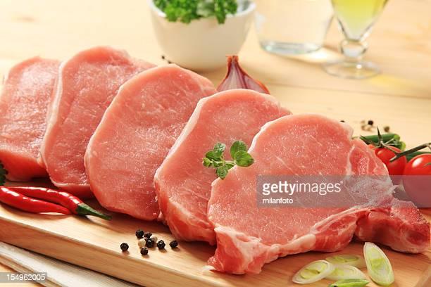 raw costeletas de porco - cru - fotografias e filmes do acervo