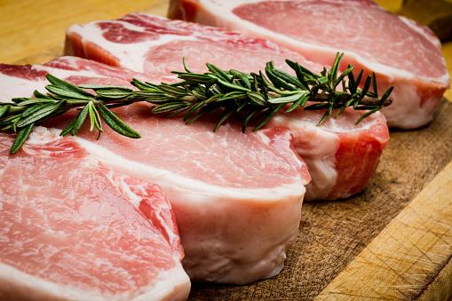 Raw Pork Chops 953659100