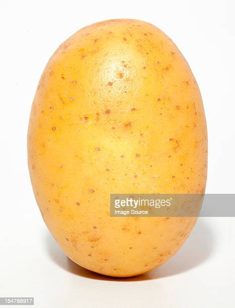 raw potato - raw potato stock pictures, royalty-free photos & images