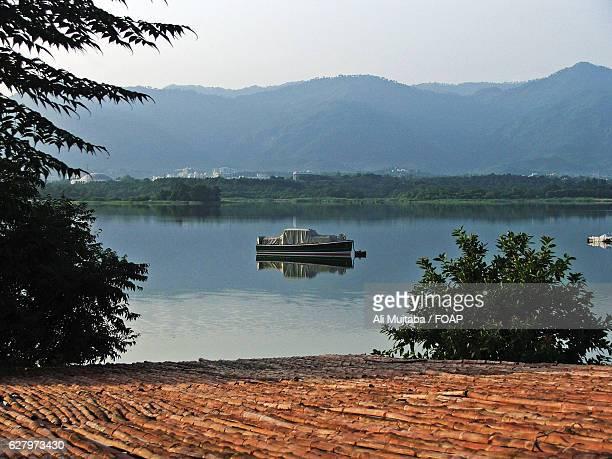 rawal lake in islamabad, pakistan - イスラマバード ストックフォトと画像