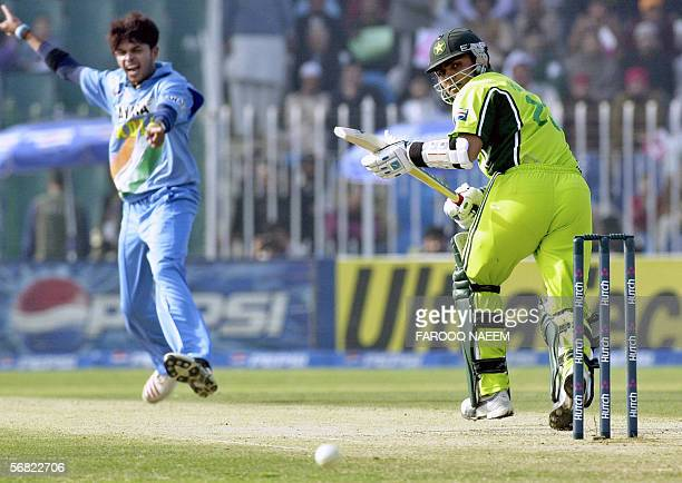 Indian cricketer Shanthakumaran Sreesanth makes an unsuccessful appeal for the wicket of Pakistani batsman Kamran Akmal during the second One Day...