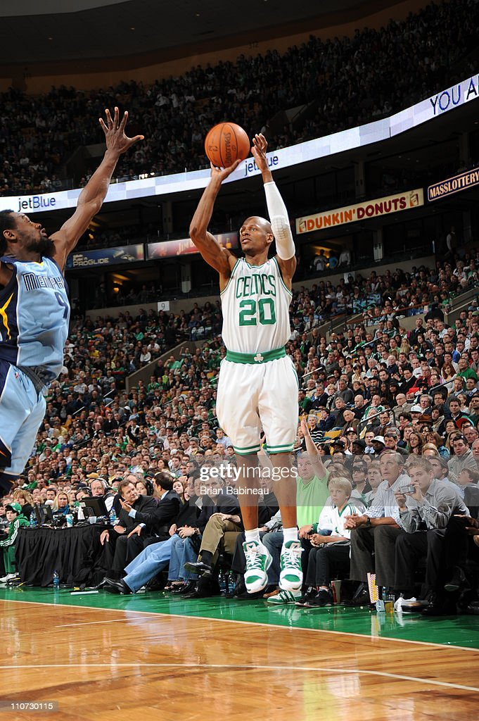 memphis grizzlies v boston celtics photos and images getty images rh gettyimages co uk