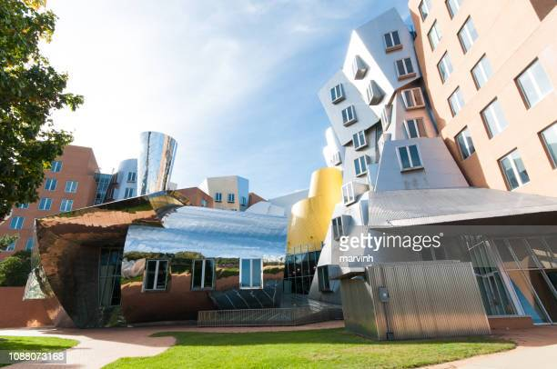 ray and maria stata center of mit - - cambridge massachusetts stock pictures, royalty-free photos & images