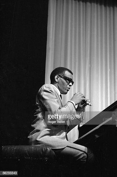 Ray Charles american musician in concert at the Olympia Paris 1964 HA20986