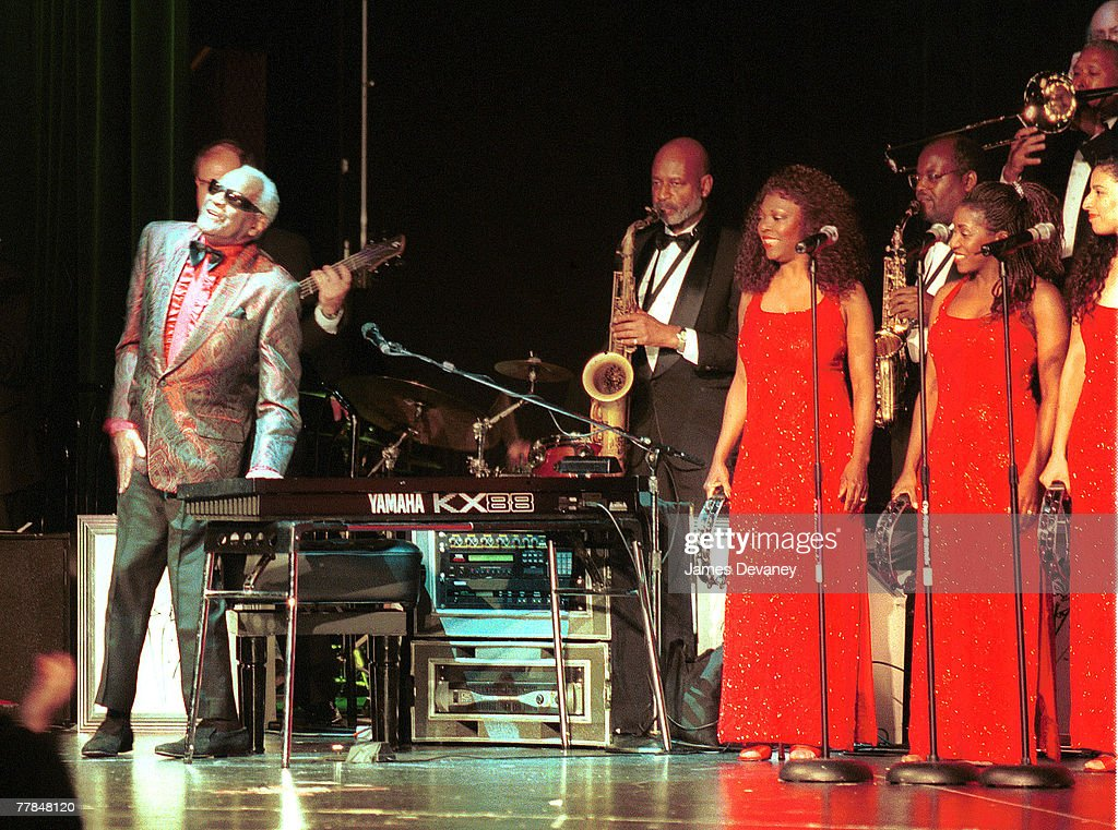Ray Charles Performs at the Millennium Theater in New York : News Photo