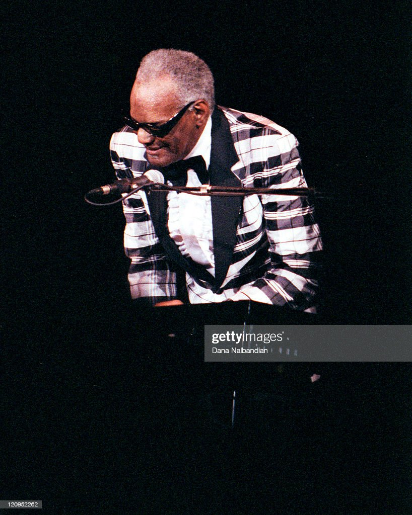 Ray Charles Performs at the Seattle Center Coliseum - September 1991 : News Photo
