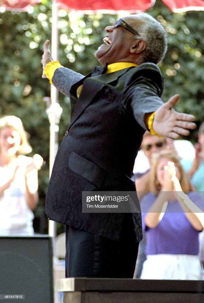 Ray Charles In Concert 1991 - Saratoga CA : News Photo