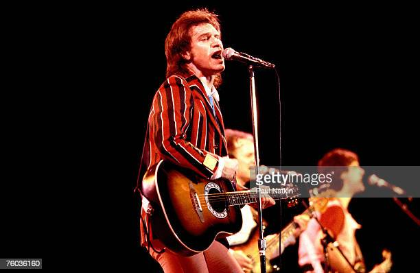 Ray Davies Jim Rodford and Dave Davies of The Kinks on 6/15/87 in Chicago Il