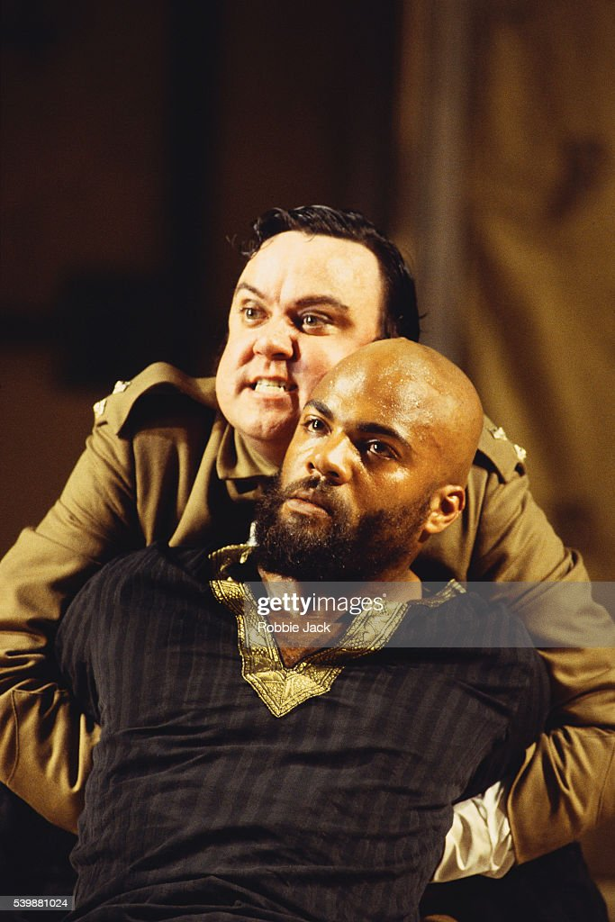 Ray Fearon and Richard McCabe in Othello