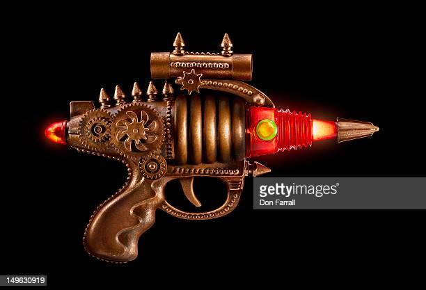 ray gun - steampunk photos et images de collection