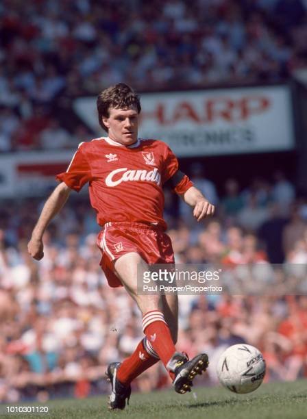 Ray Houghton of Liverpool in action during the FA Cup Semi Final between Liverpool and Nottingham Forest at Old Trafford on May 7, 1989 in...