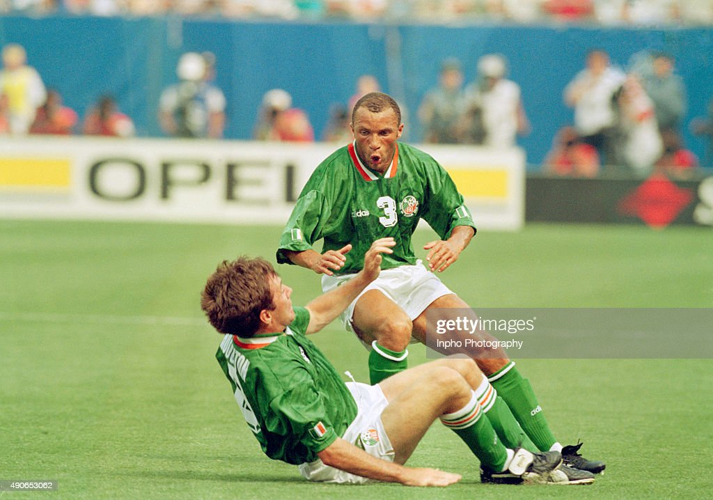 Ray Houghton with Terry Phelan after scoring the winning goal : News Photo