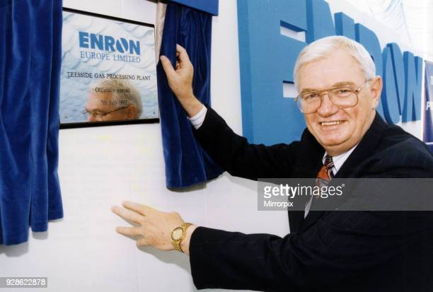 Ray Kaskel Chief Operating Officer unveils the plaque to mark the opening of Enron Teesside Gas Processing Plant at Seal Sands 7th July 1993