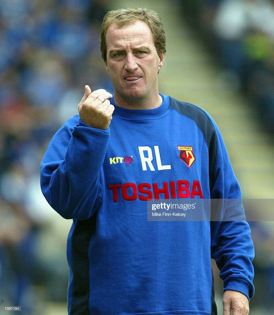 Ray Lewington, manager of Watford, watches his side against Leicester City  : News Photo
