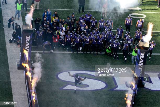 Ray Lewis of the Baltimore Ravens dances on the field during introductions against the Indianapolis Colts during the AFC Wild Card Playoff Game at MT...