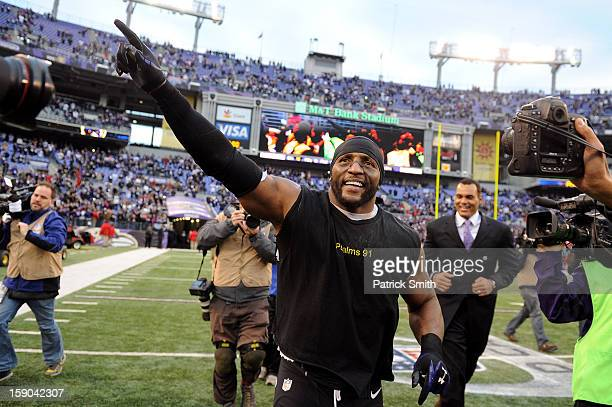 Ray Lewis of the Baltimore Ravens takes a lap around the field after the Ravens won 249 against the Indianapolis Colts during the AFC Wild Card...