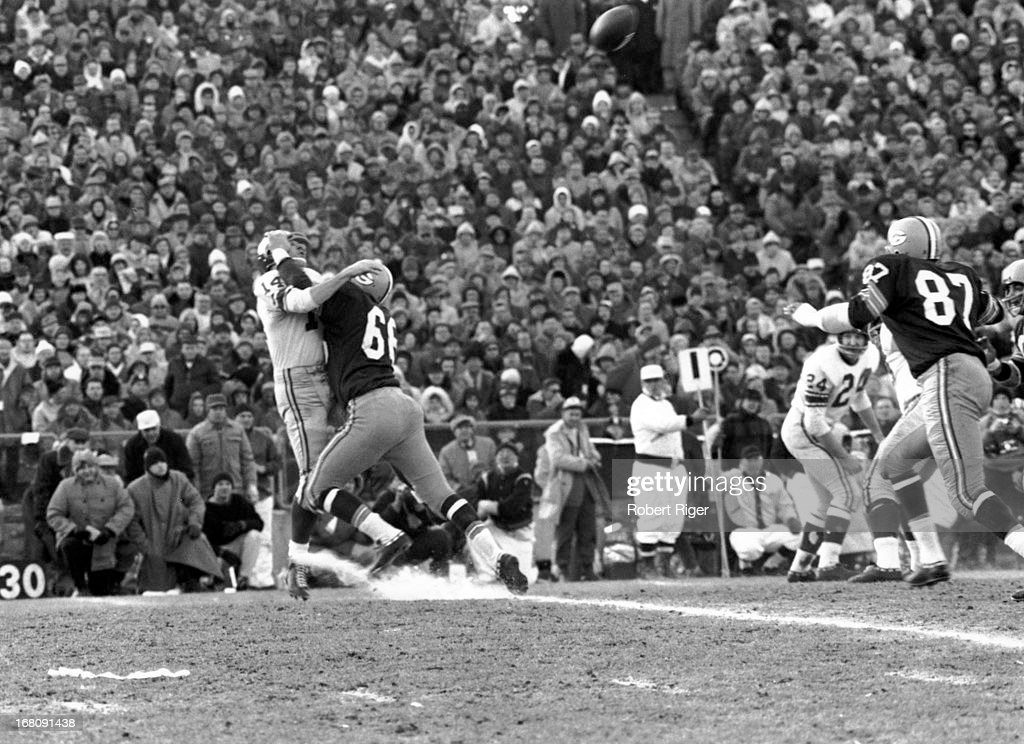 1961 NFL Championship: New York Giants v Green Bay Packers : News Photo