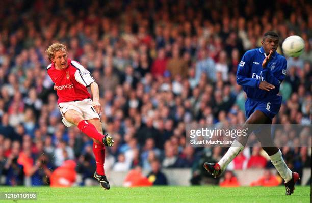 Ray Parlour scores Arsenal's 2nd goal during the FA Cup Final match between Arsenal and Chelsea on May 4, 2002 in Cardiff, Wales.