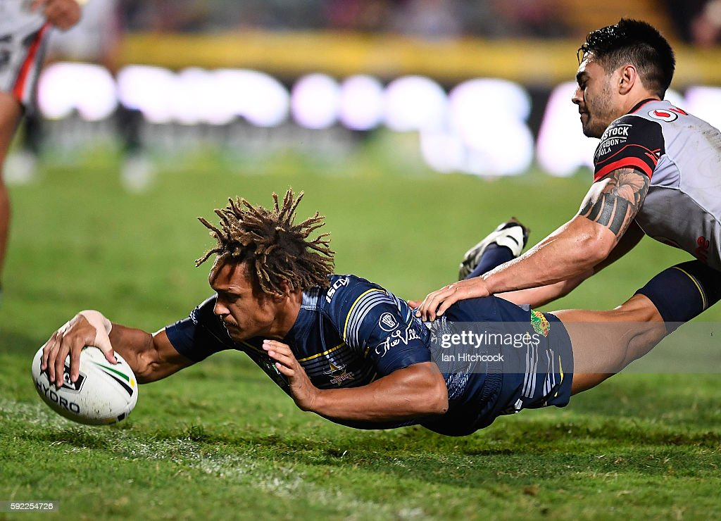 Ray Thompson of the Cowboys scores a try during the round 24 NRL match between the North Queensland Cowboys and the New Zealand Warriors at 1300SMILES Stadium on August 20, 2016 in Townsville, Australia.