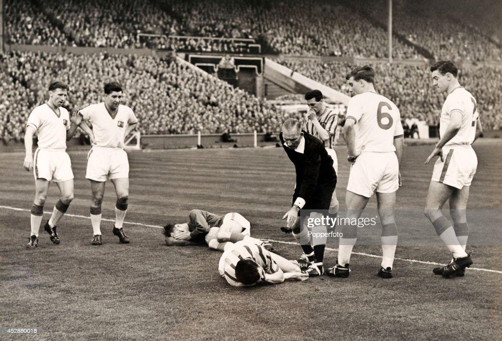 FA Cup Final  -  Aston Villa v Manchester United : News Photo