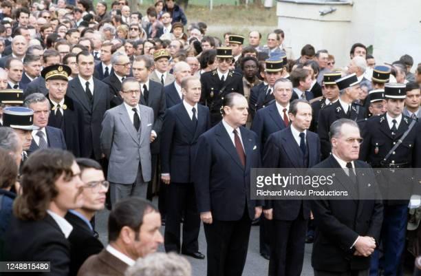 Raymond Barre assiste aux obsèques de Robert Boulin, ministre du Travail et de la Participation de Valery Giscard d'Estaing