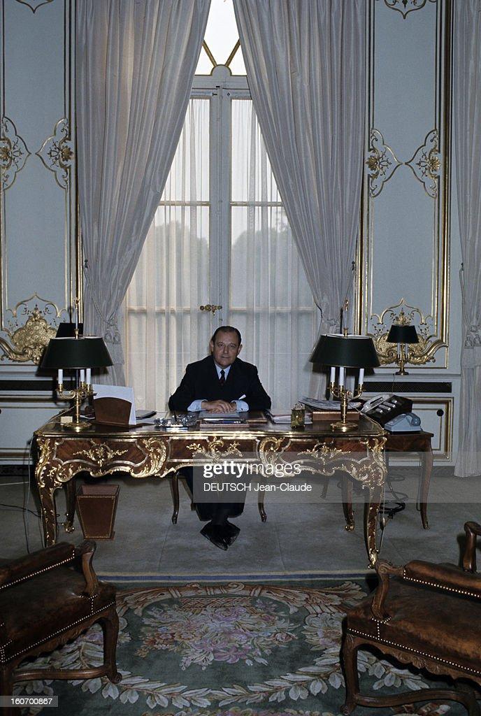 Raymond barre prime minister paris septembre 1976 le premier photo d 39 actualit getty - Bureau du premier ministre ...
