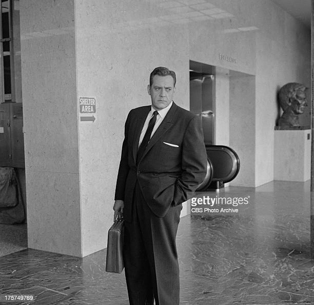 Raymond Burr as Perry Mason on location for the show PERRY MASON Image dated August 3 1962