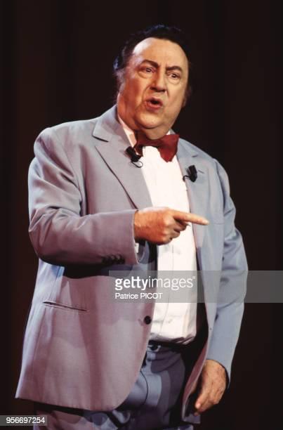 Raymond Devos en avril 1993 à l'Olymia à Paris, France.