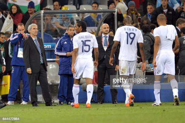 Raymond DOMENECH / FLORENT MALOUDA / ABOU DIABY / THIERRY HENRY France / Uruguay Coupe du Monde 2010 Green Point Stadium Le Cap Photo Dave Winter /...