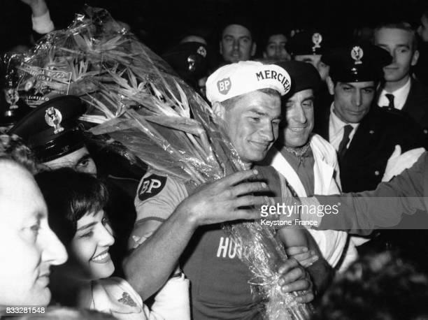 Raymond Poulidor après sa victoire à San Remo Italie le 19 mars 1961